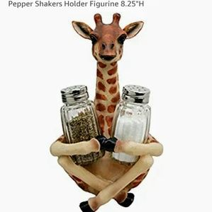 New in box Giraffe salt and pepper shaker holder